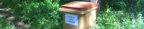 Poubelle pour corbeaux / Villefontaine, France, avril 2011